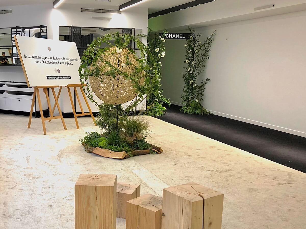 sphère végétale et une arche vegetal chez Chanel Couture à Paris