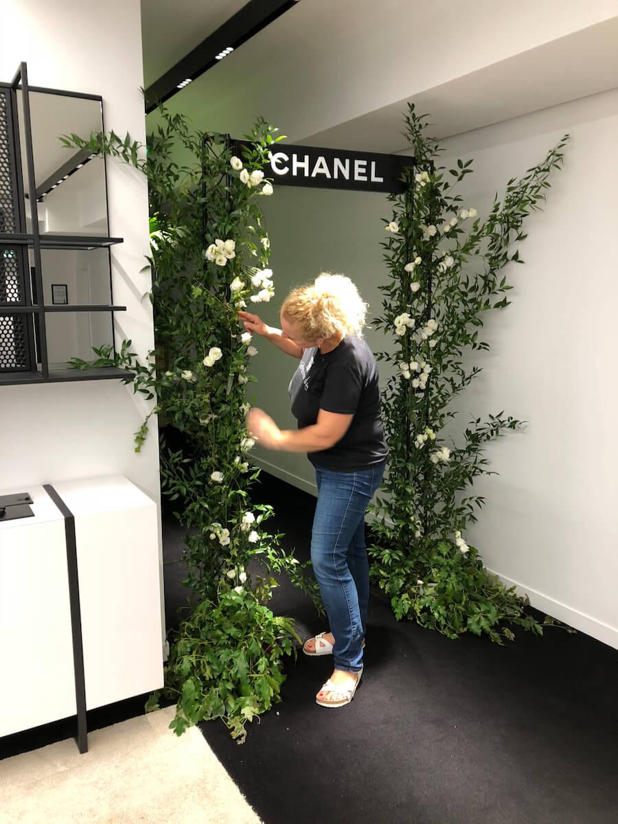 arche florale réalisé pour chanel