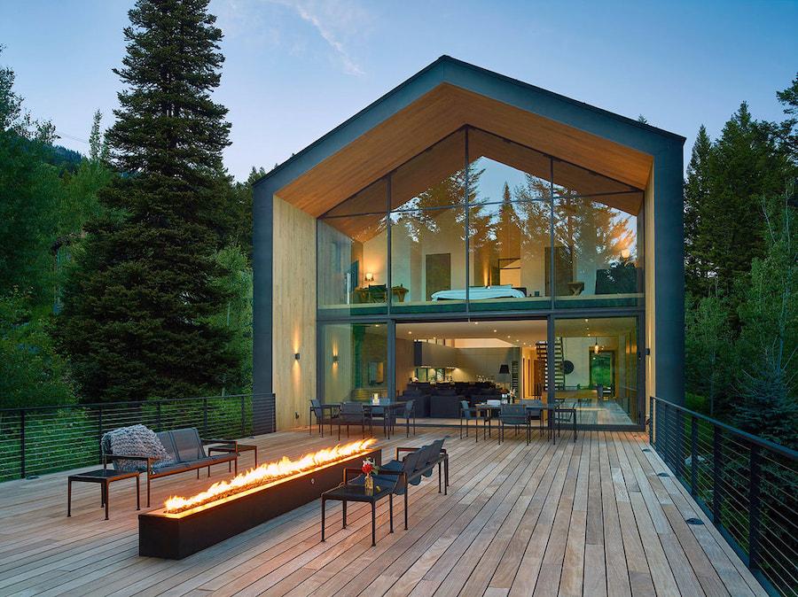 maison immergée dans la nature
